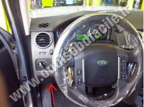 OBD connector location for Land Rover Discovery 3 (2005 - 2008), image