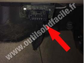 OBD connector location for Land Rover Freelander (2006 - 2014), image